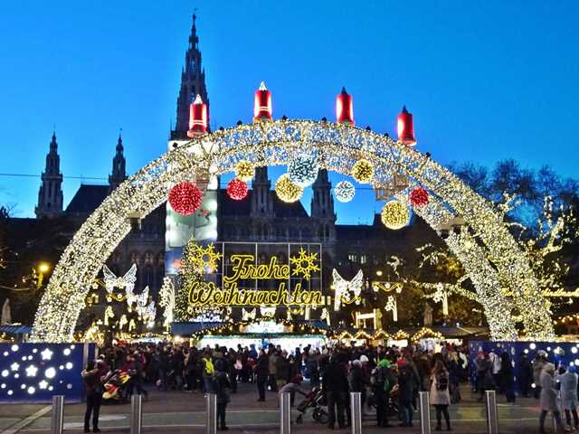 Vienna Christmas Market.Vienna Christmas Markets 2019 Dates Tips Map